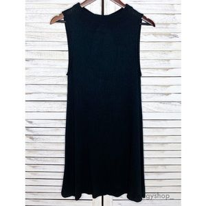 American Eagle | Ribbed Sleeveless Keyhole Dress